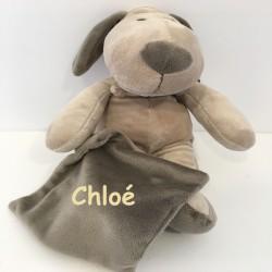 peluche chien avec son mouchoir